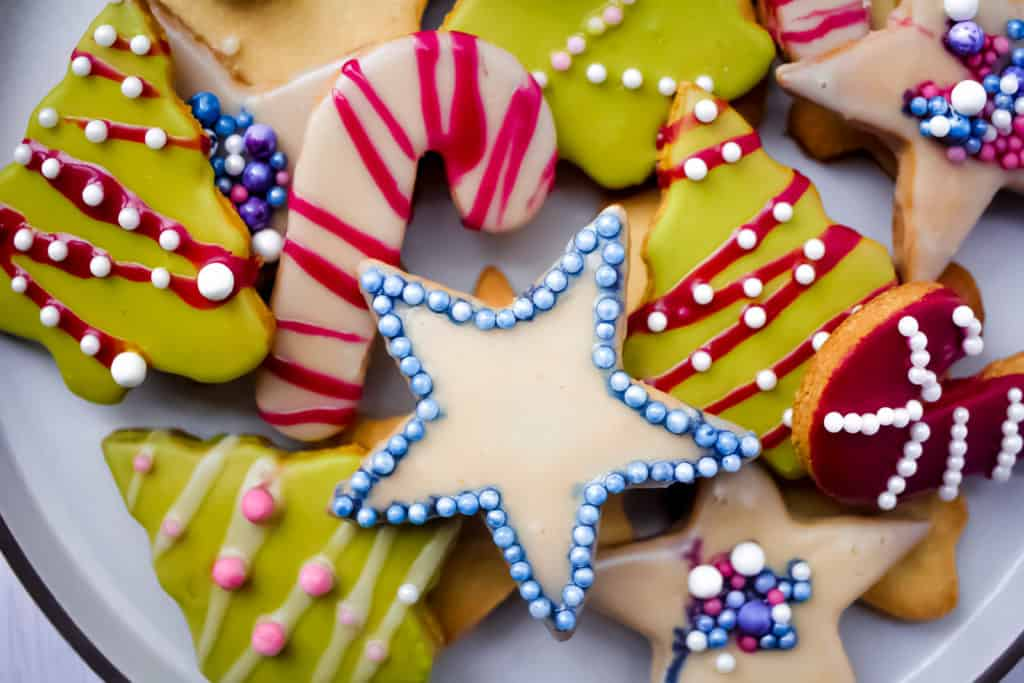 Almond Flour Holiday Shortbread Cookies